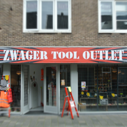 Tool_Outlet_Square_vaag